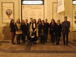 Közösségi tevékenység – színházlátogatás